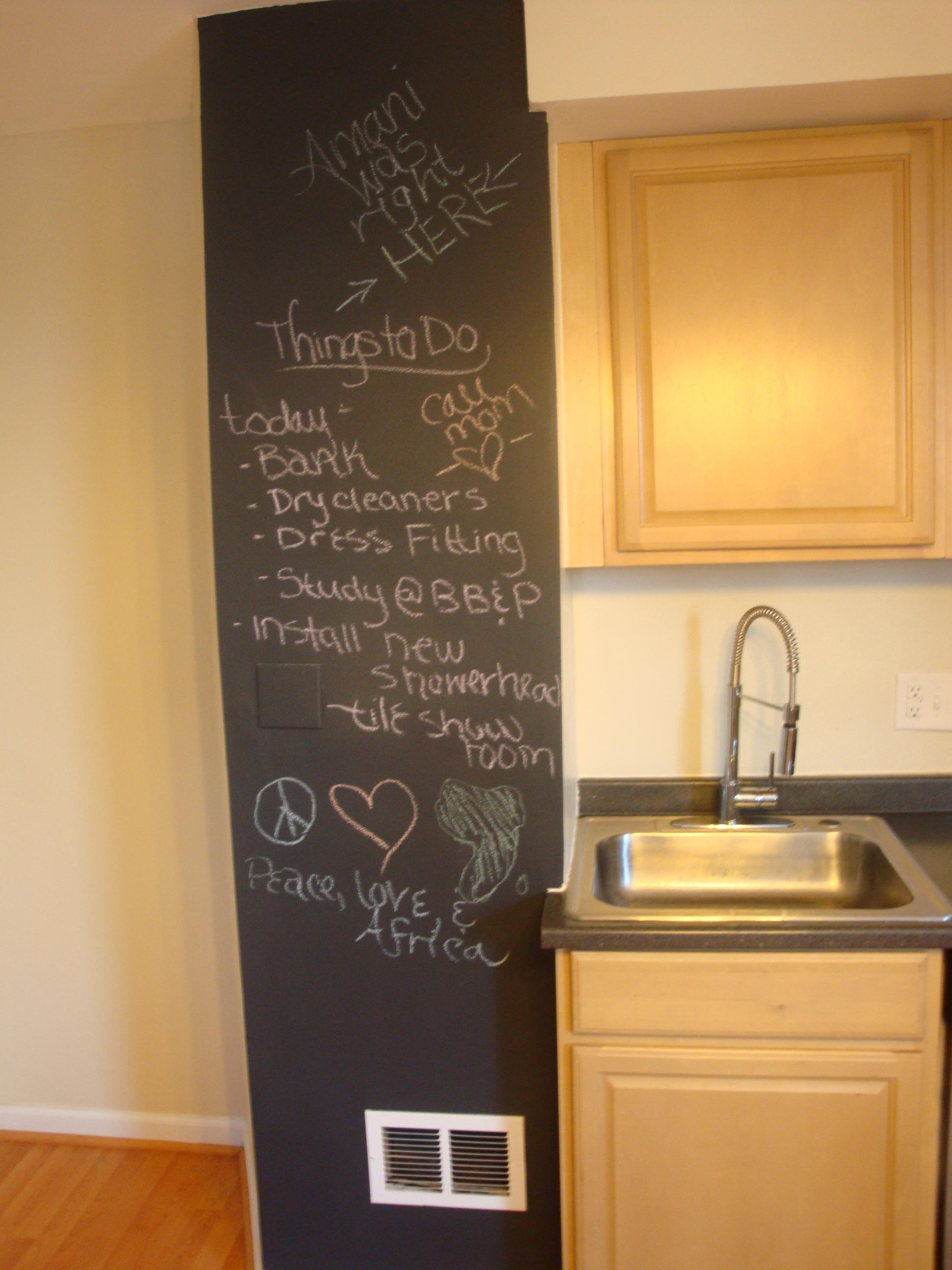 Great kitchen blackboard inspiration homesfeed for Chalk paint ideas kitchen