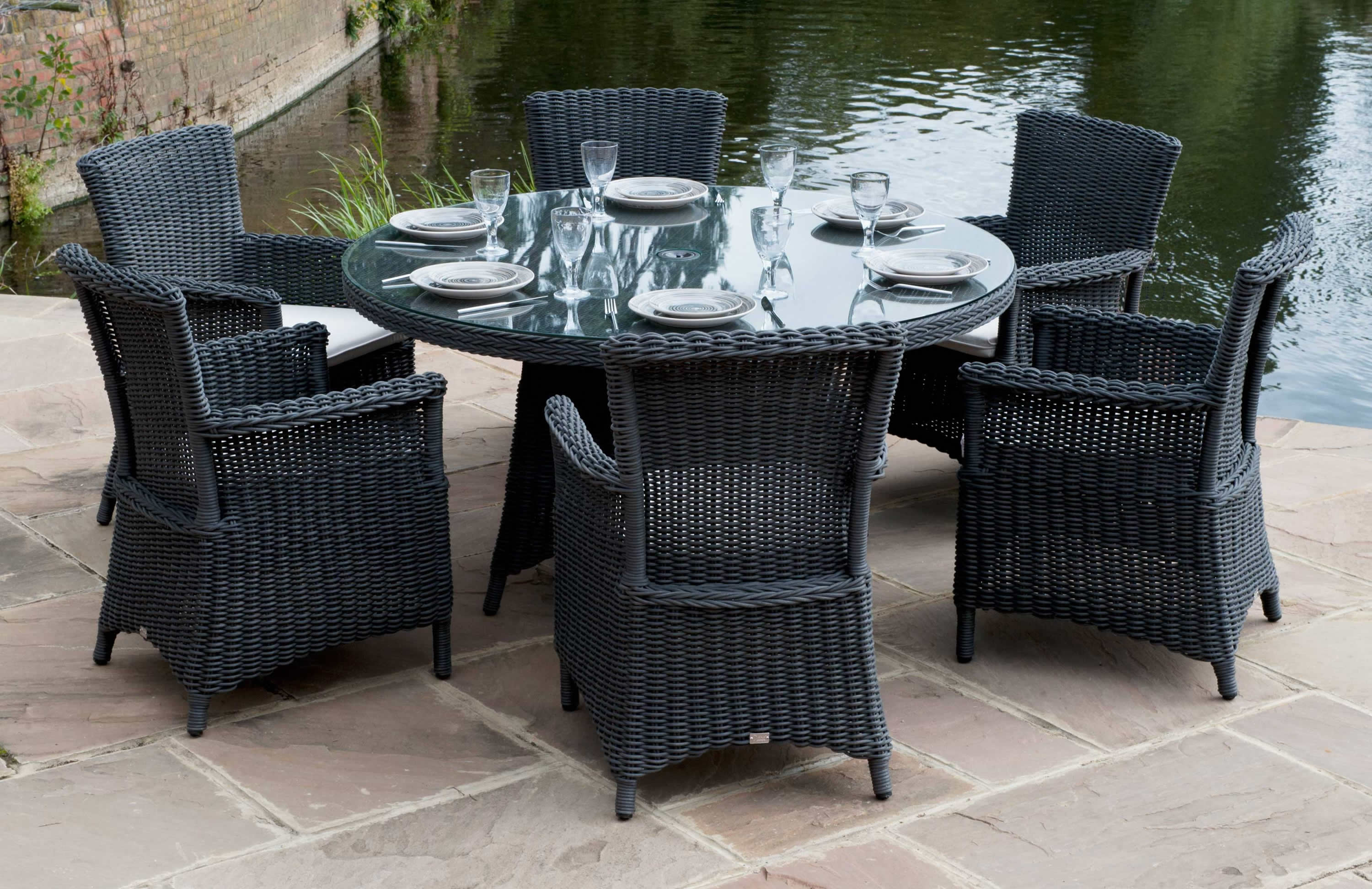 Black Bamboo Gl Round Outdoor Dining Table For 6 Set Simple Clic Chairs Natural