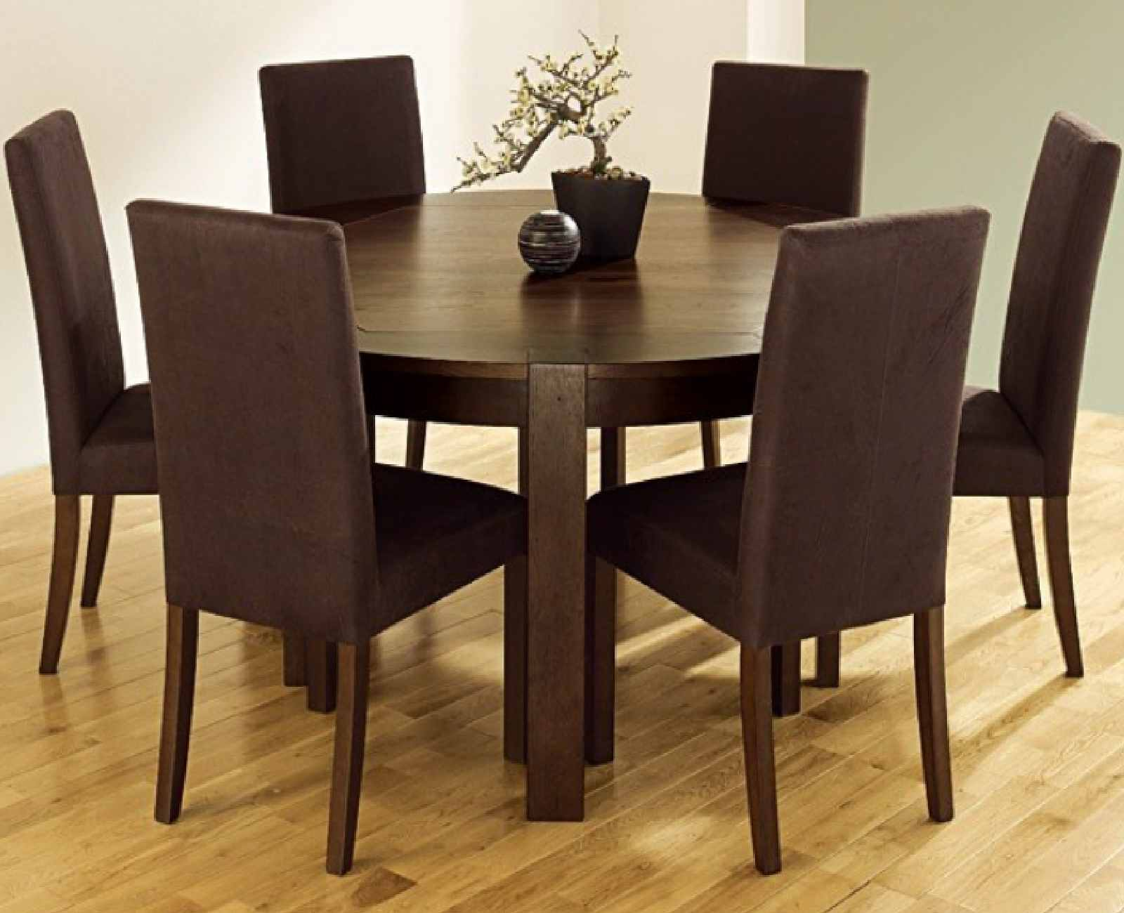 Getting a round dining room table for 6 by your own for Round dining table for 6