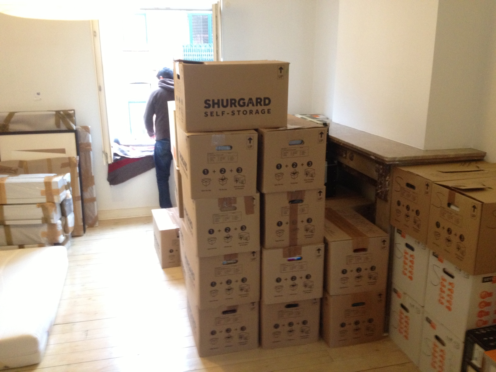 best place to get boxes for moving homesfeed. Black Bedroom Furniture Sets. Home Design Ideas