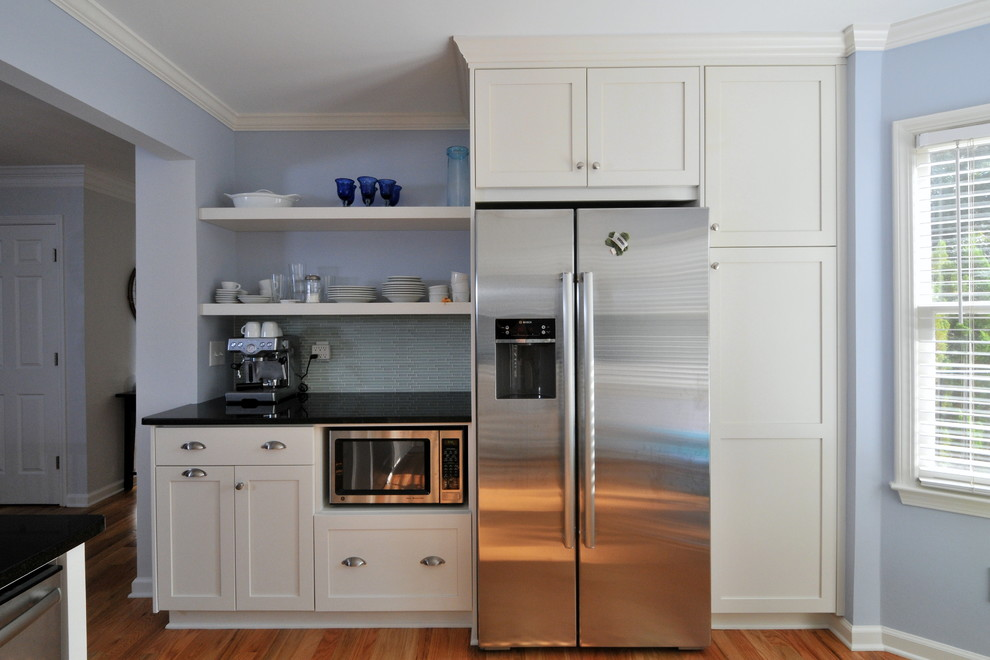 Built in cabinet ideas homesfeed for Built in kitchen cupboards for a small kitchen