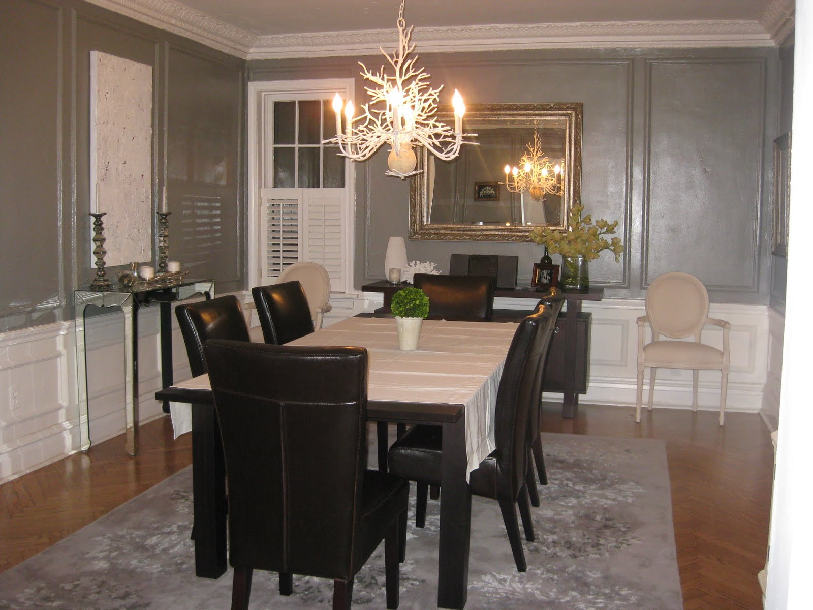 Living and dining room furniture