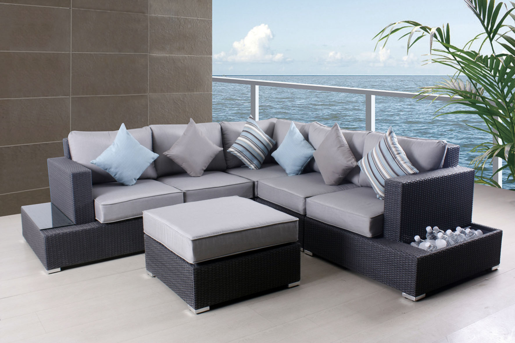 Clic Bamboo Foam Thomasville Outdoor Furniture Two Tone Colors Table Chair Set Blue Grey Stripped Cushions