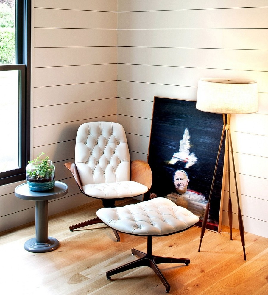 Clic Vintage Room Design With Vinyl Siding And Wooden Floor Gl Window Painting Comfortable White Unique Bench Idea Of Cozy Reading Chair