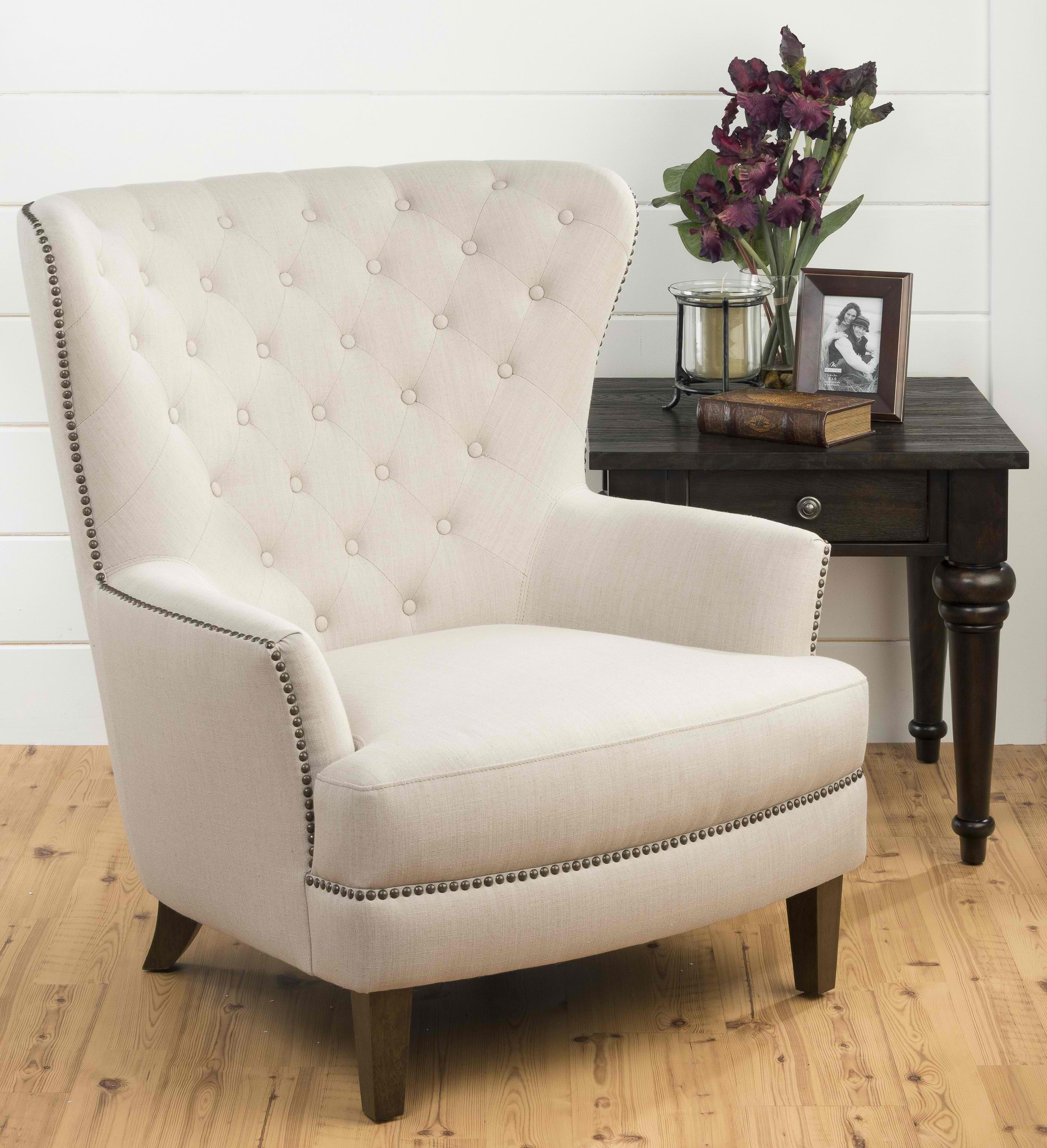 Oversized Accent Chair  Gives Luxurious Touch  Homesfeed. Decorative Garden Bridge. Barn Wood Wall Decor. Ideas For Decorating Bathroom. Living Room On A Budget. Salt Therapy Room. Living Room Idea. Room Partition Wall. Family Reunion Decorations