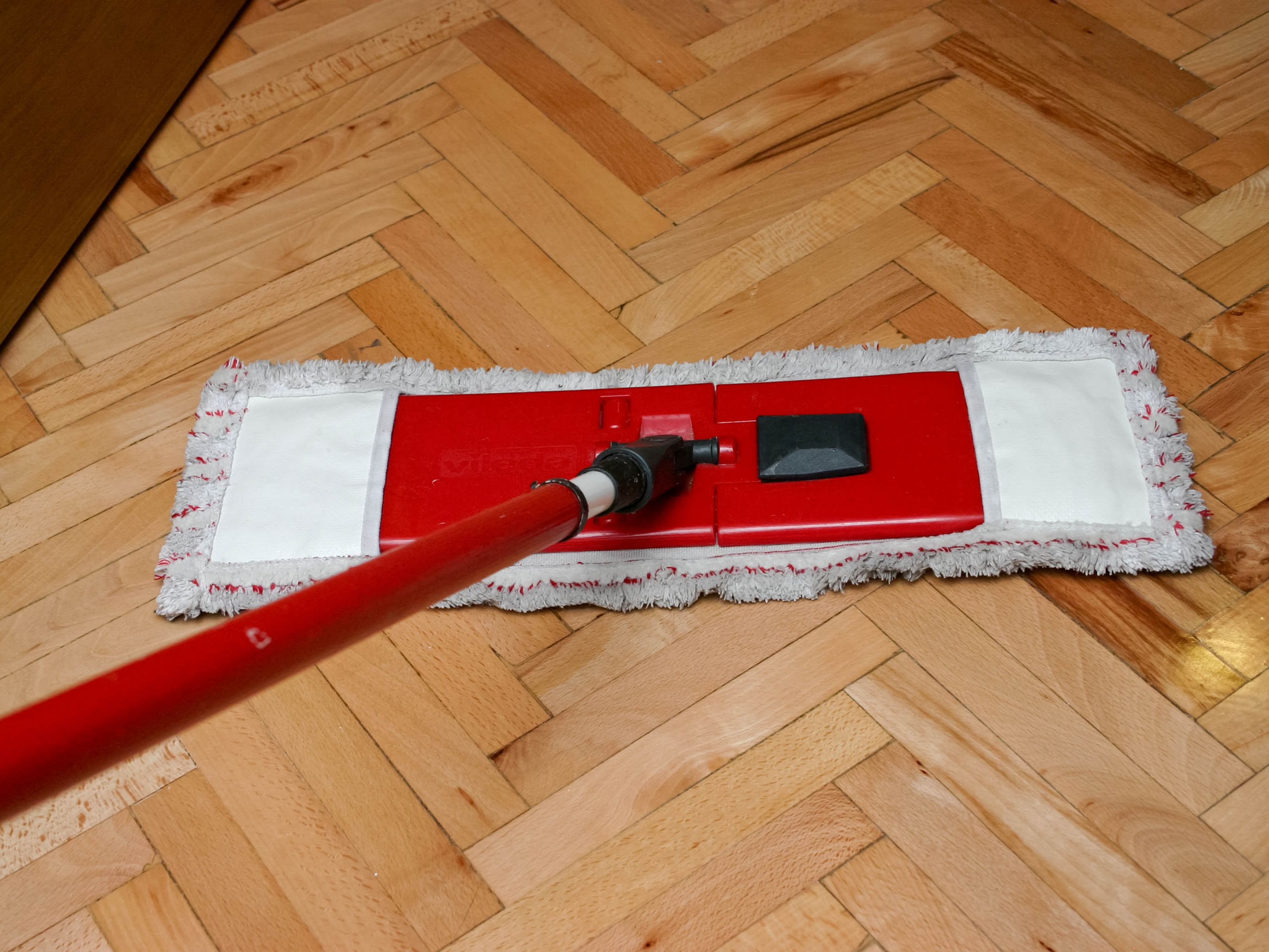 Four Best Mops for Hardwood Floors | HomesFeed