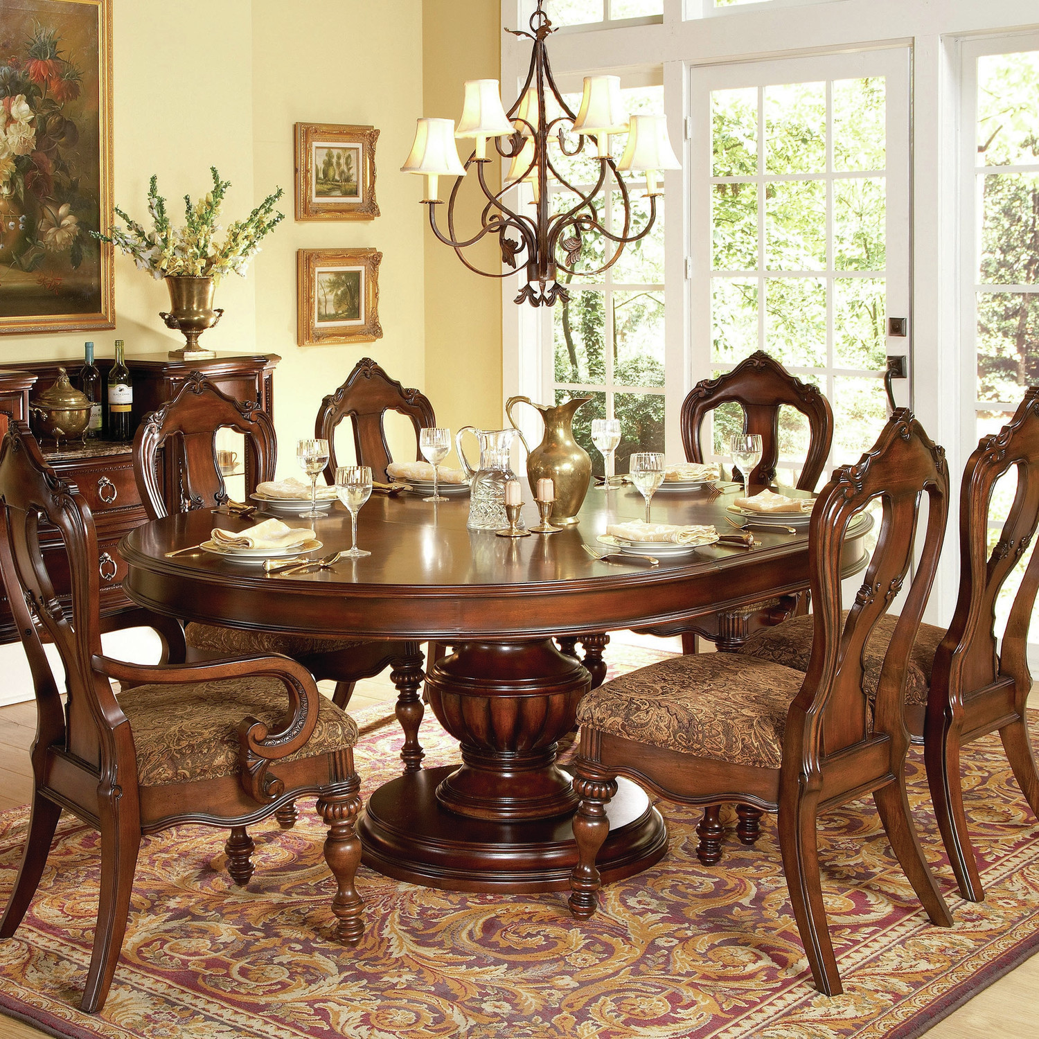 Getting a round dining room table for 6 by your own for Fancy round dining table