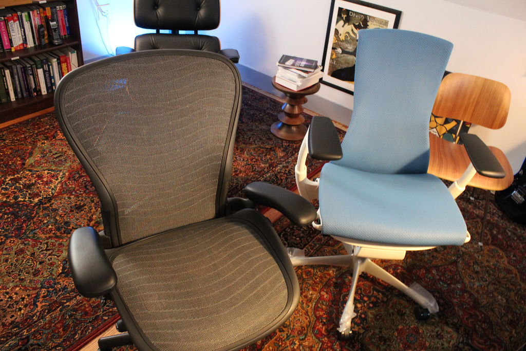 Leave Space For Aeron Chair Adjustment For Comfortable Working Station Home
