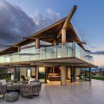 fleetwood windows and doors super modern futuristic house porcelaine floor outdoor living room