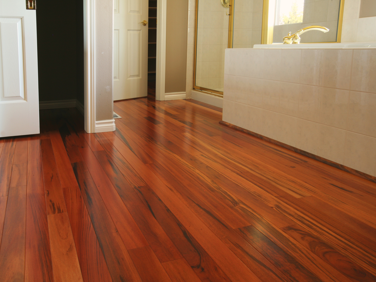 Bamboo flooring in bathroom homesfeed for Hardwood floors in bathroom