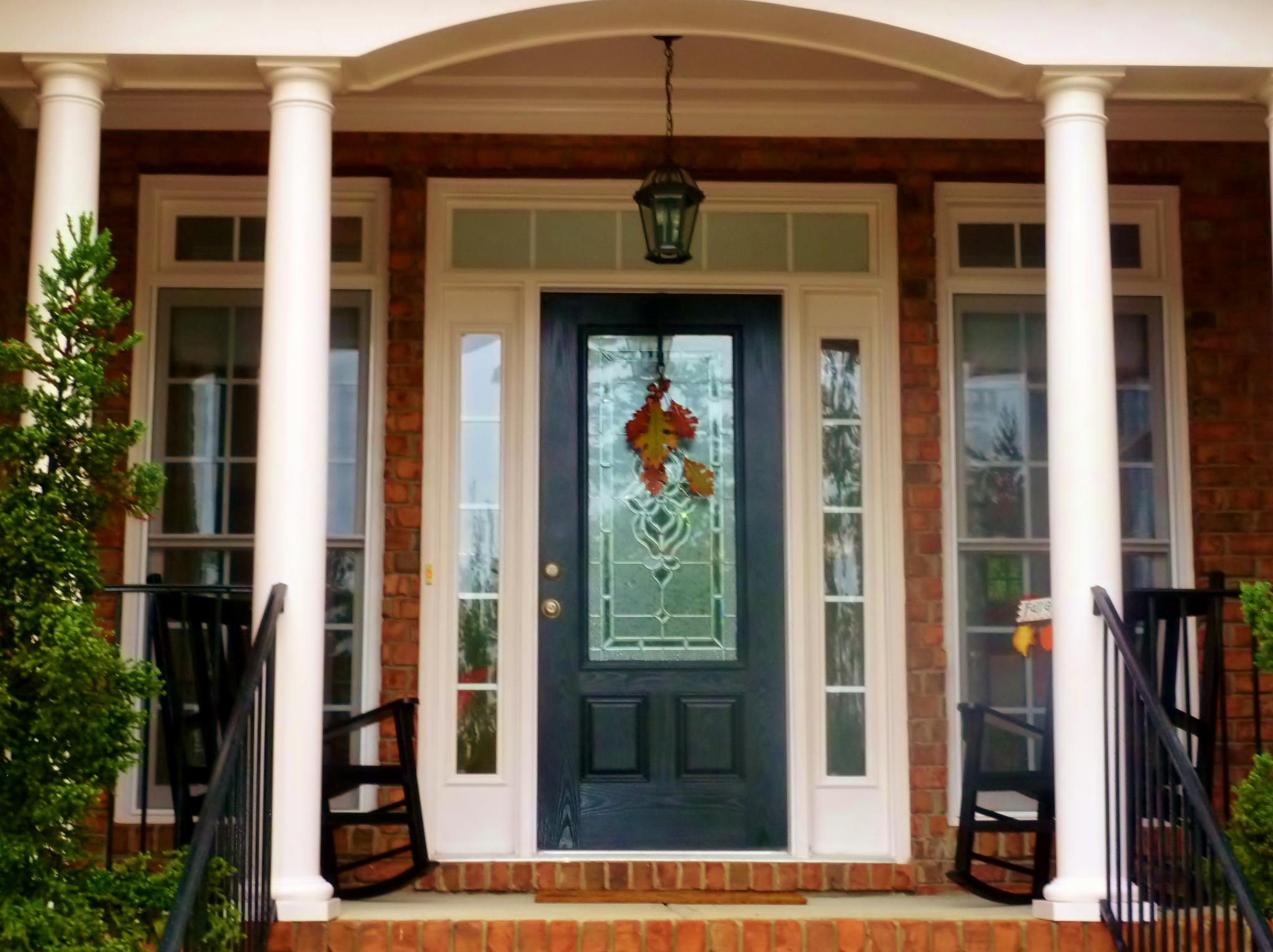 Front door style ideas homesfeed for Exterior entryway designs
