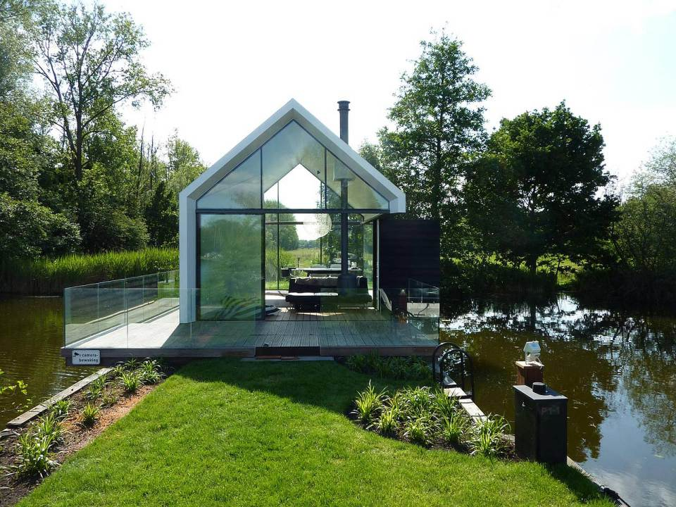 Small lake house plan the nuance of airy vibe with nice for Small glass house plans