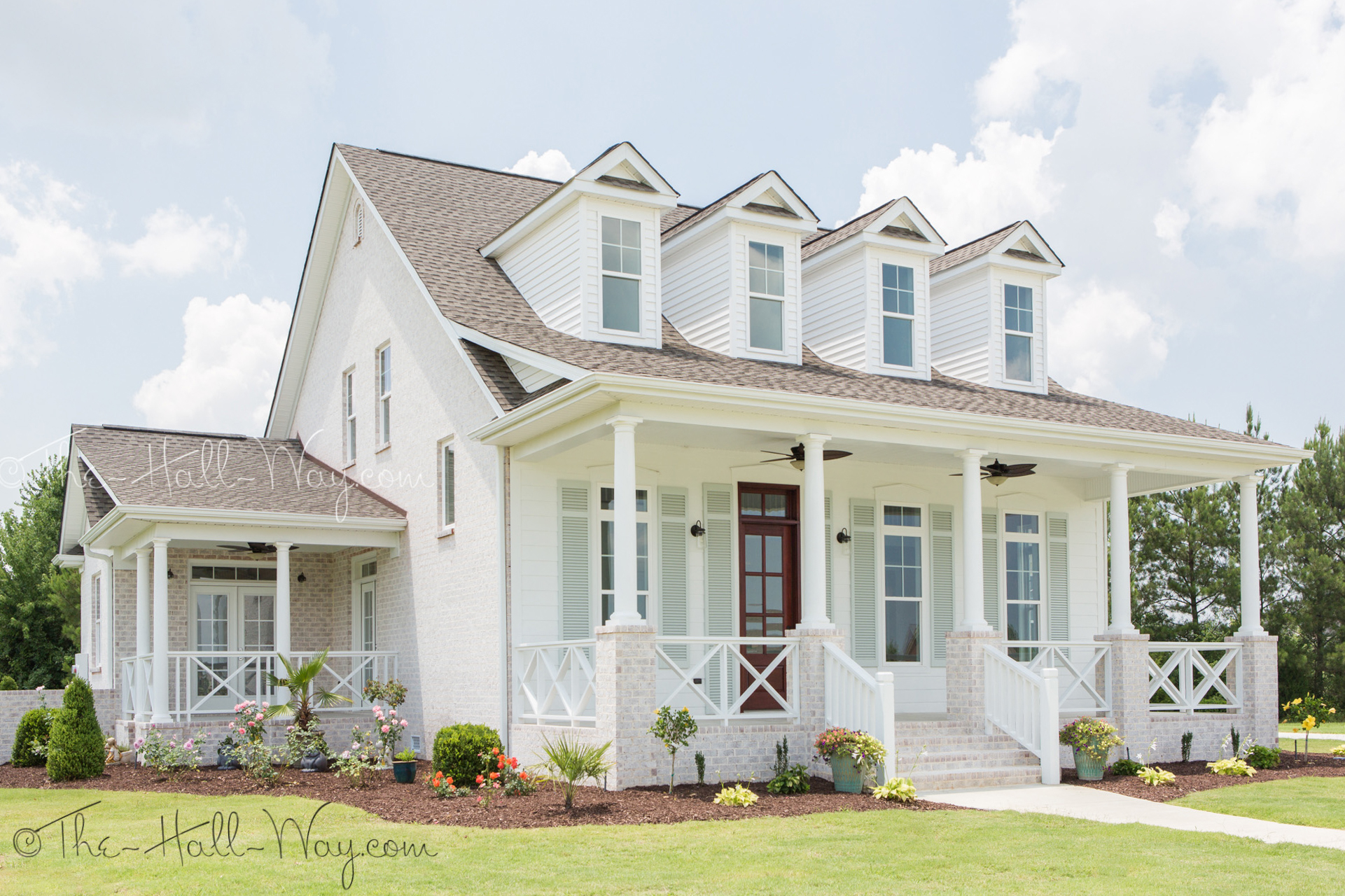 Southern living house plans with pictures homesfeed for Home exterior planner