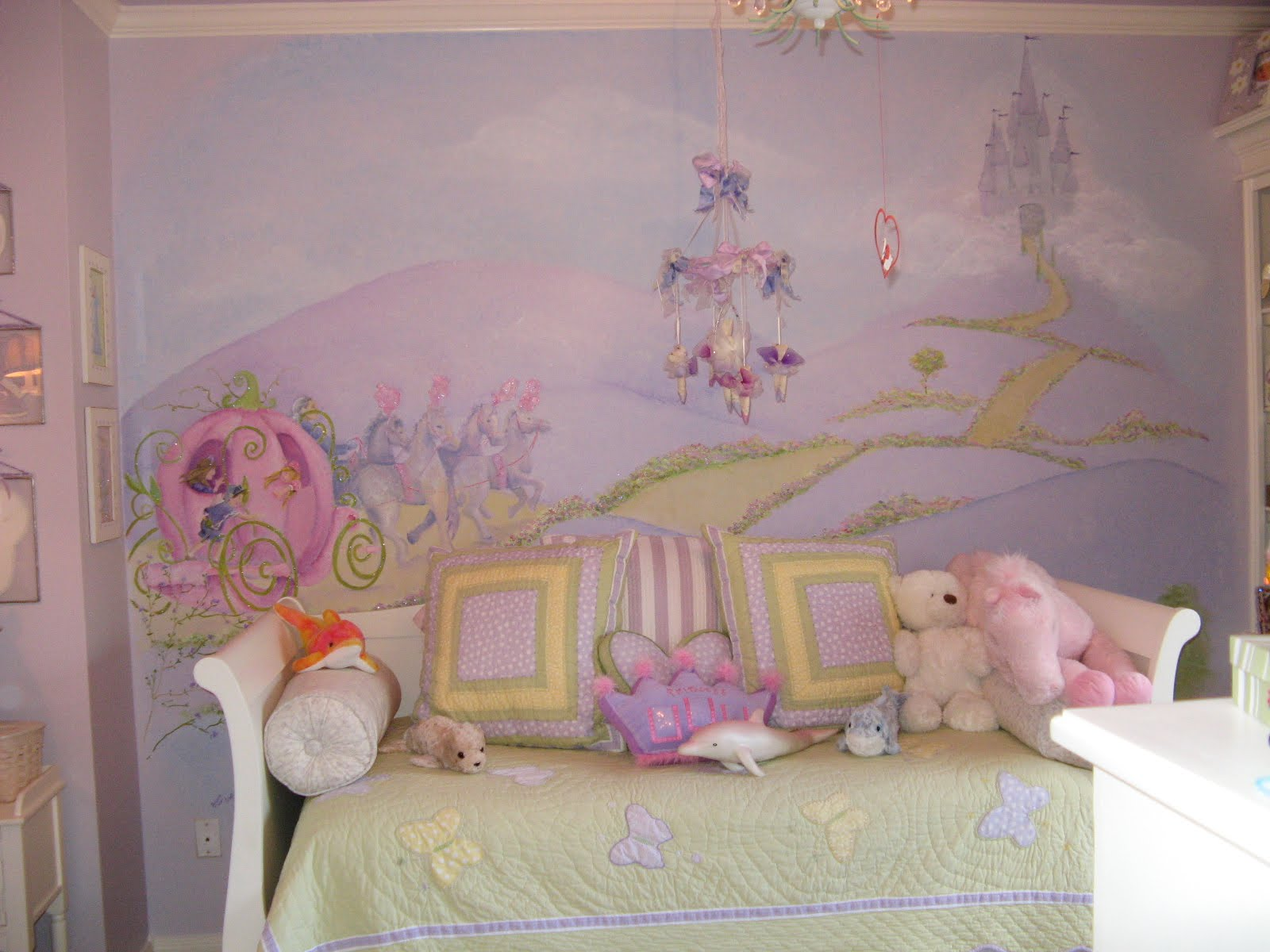 Bedroom mural design homesfeed for Girls murals