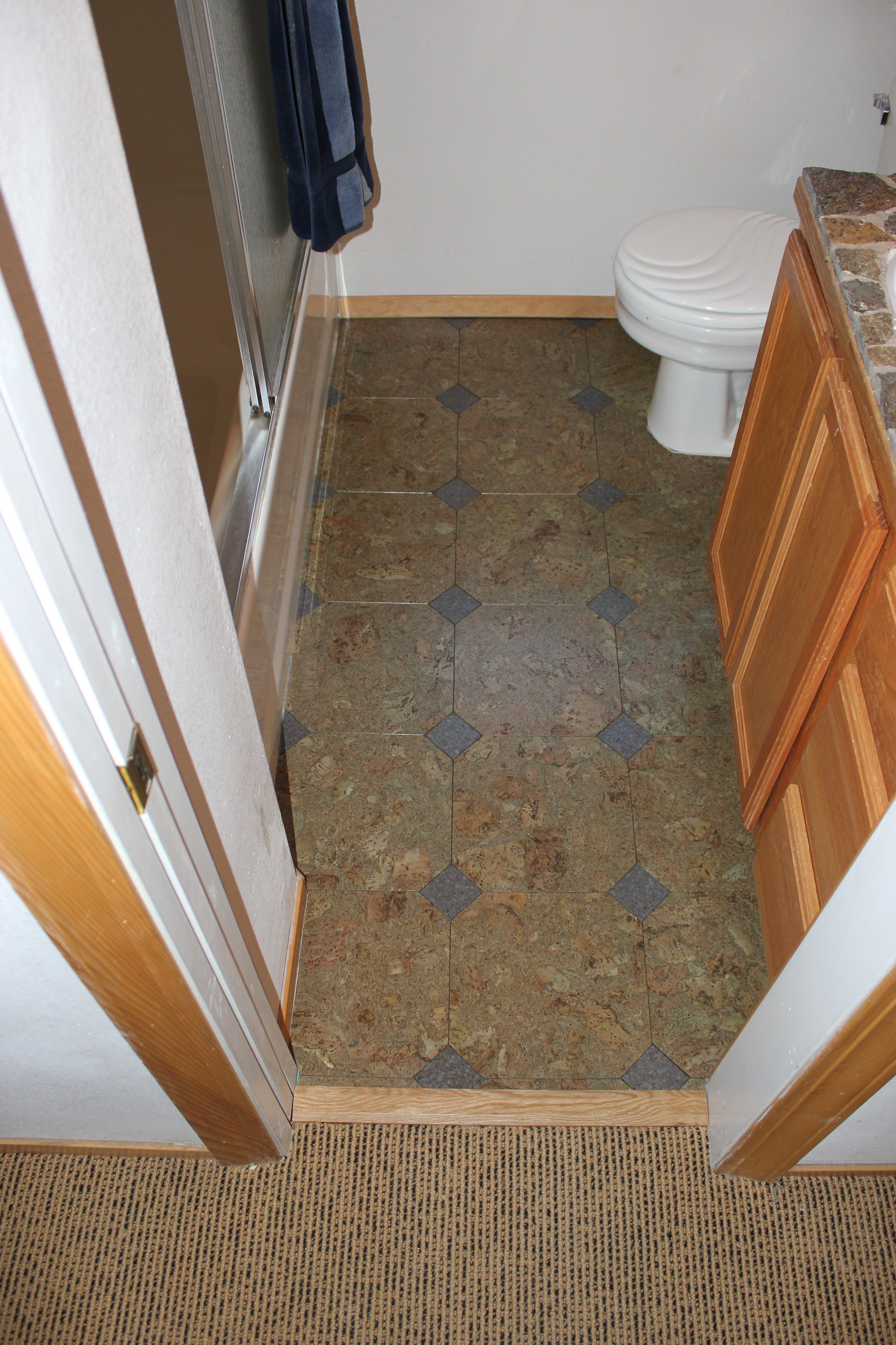 Eco friendly cork flooring in bathroom homesfeed Sustainable cork flooring