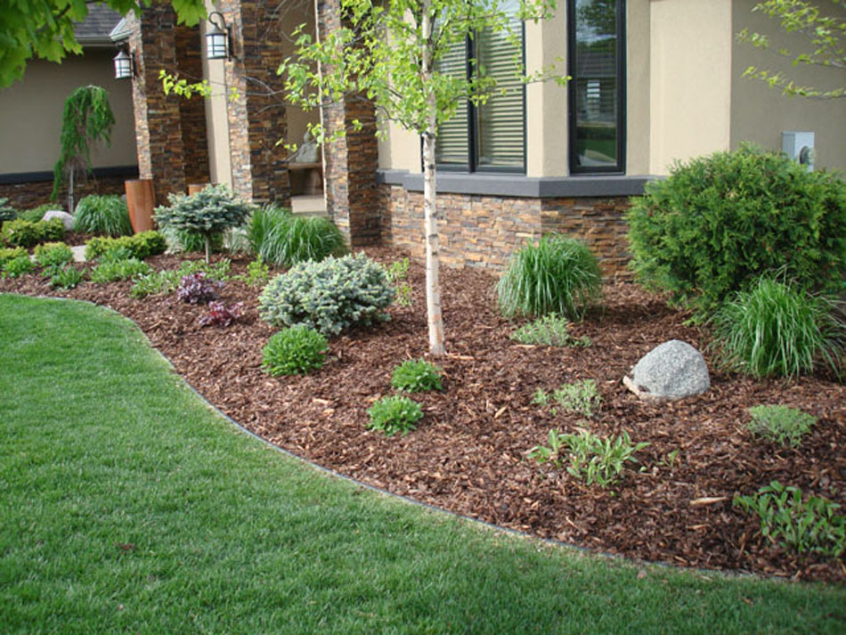 Landscaping With Mulch And Stone : Learn the good ideas to apply best mulch for landscaping