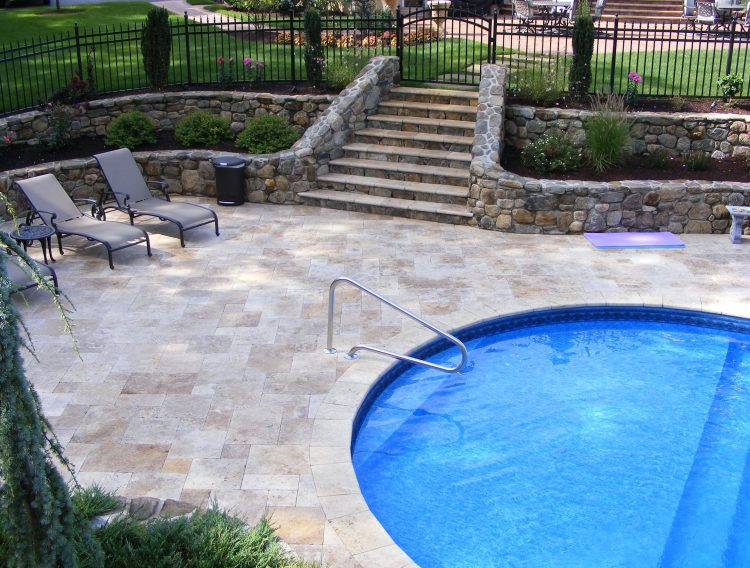 Falling in love with travertine pavers pool deck homesfeed for Swimming pool paving pictures