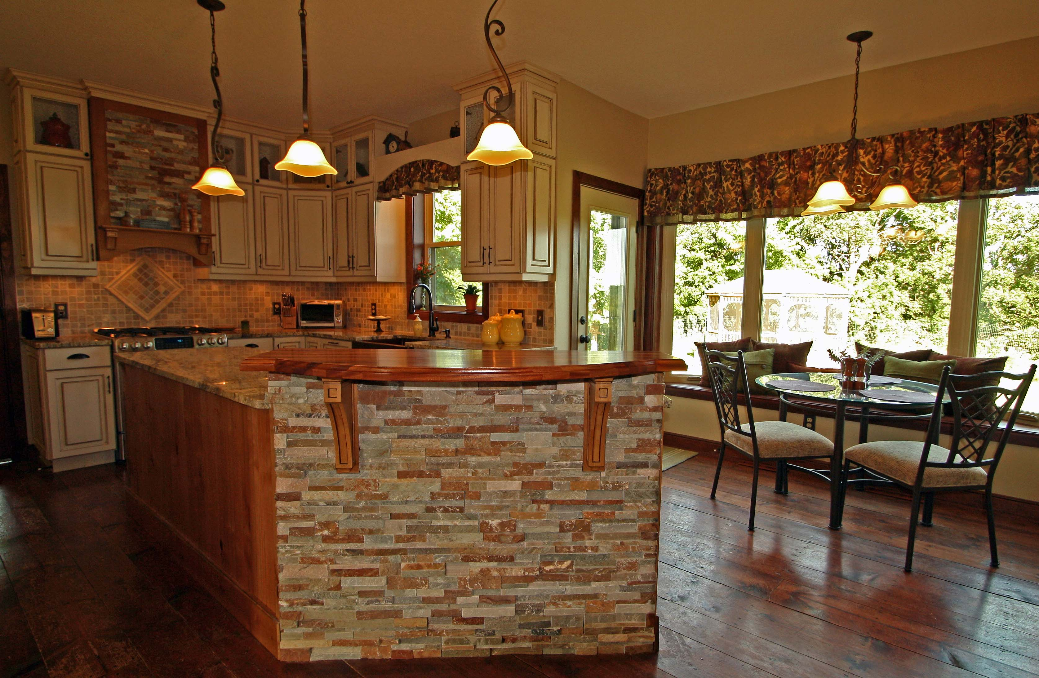 Country home with wood homesfeed for Pictures of country kitchens