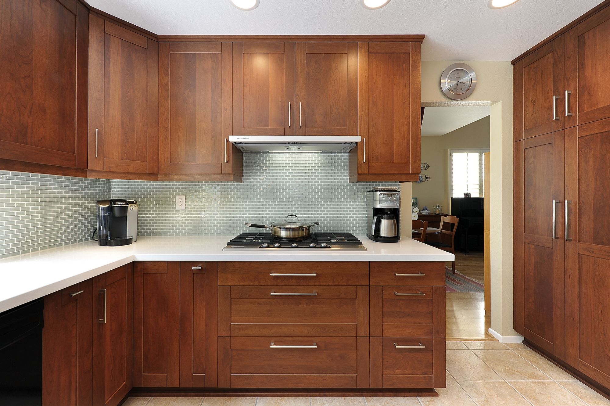 Wooden kitchen sets inspiration homesfeed for How to set up kitchen cabinets