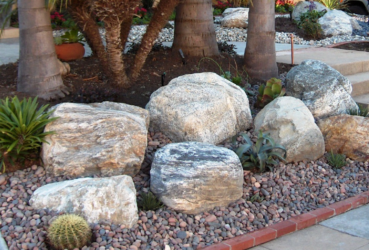 Large garden rocks landscape rock design beautiful for Landscaping large gardens