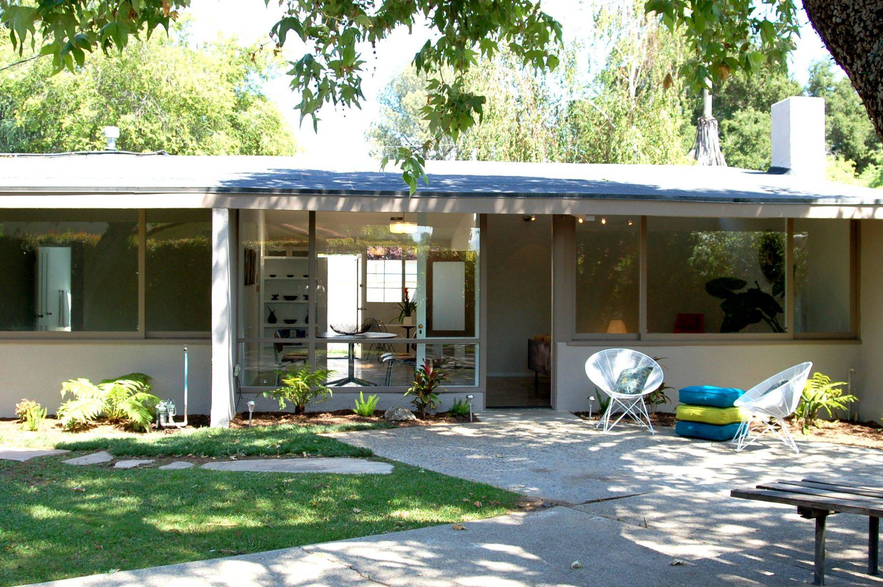 Mid century home design at your home homesfeed Century home builders