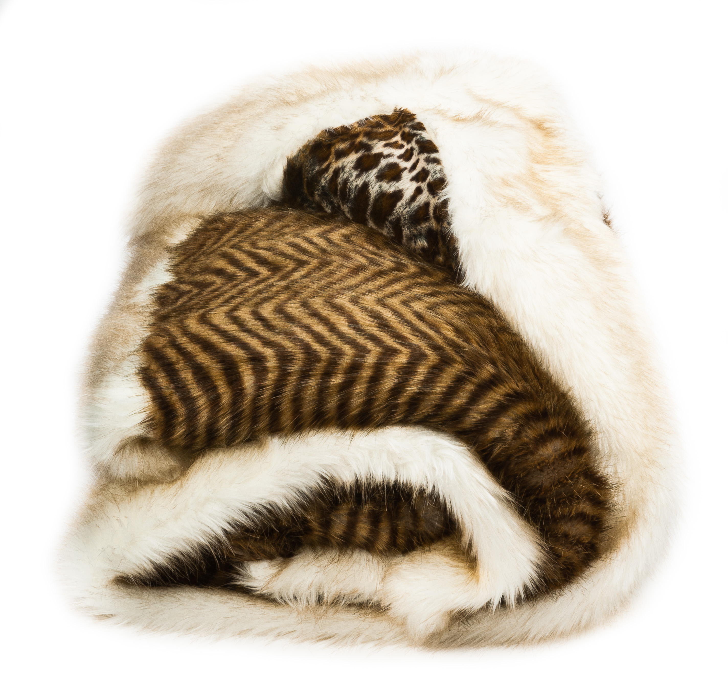 Faux Sheepskin Throw Chasing Luxury In Fashionable Look