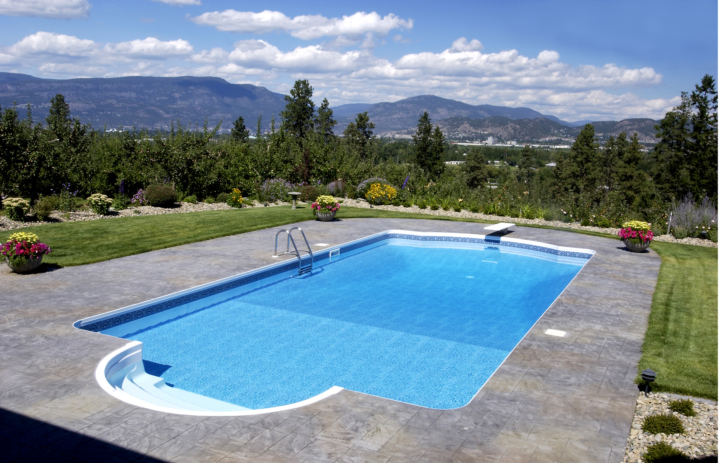 Swimming pool design for your beautiful yard homesfeed for Swimming pool design for home
