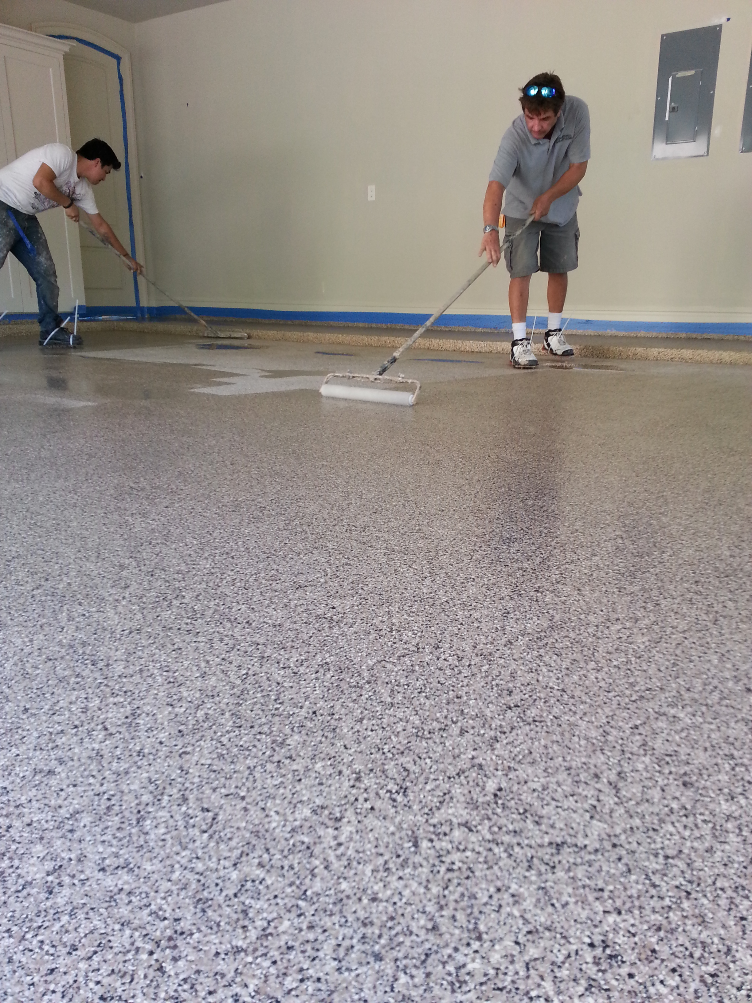 Steps for easy painting basement floors homesfeed for Best way to clean painted concrete floors