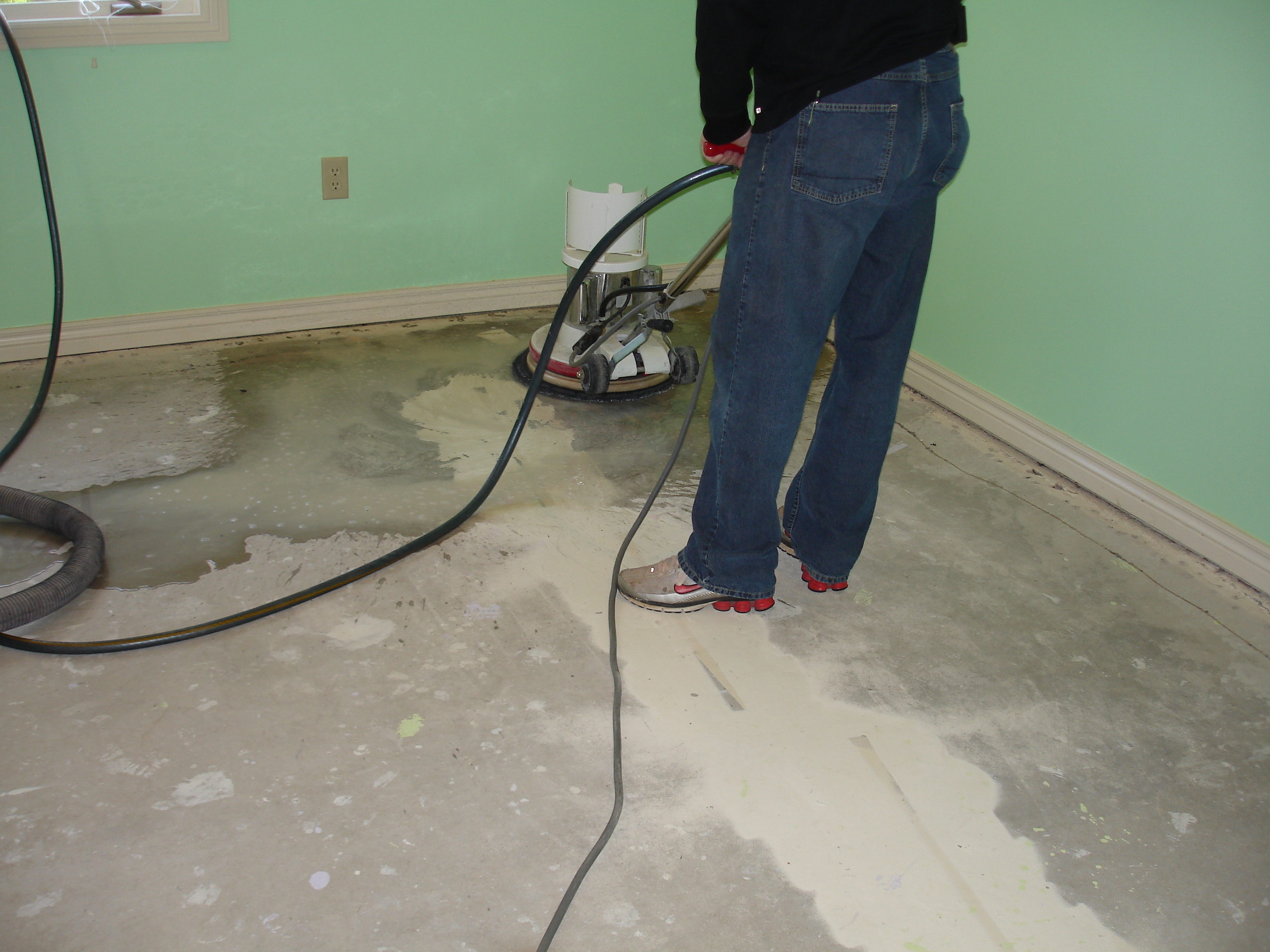 Steps for easy painting basement floors homesfeed for How to wash concrete floors