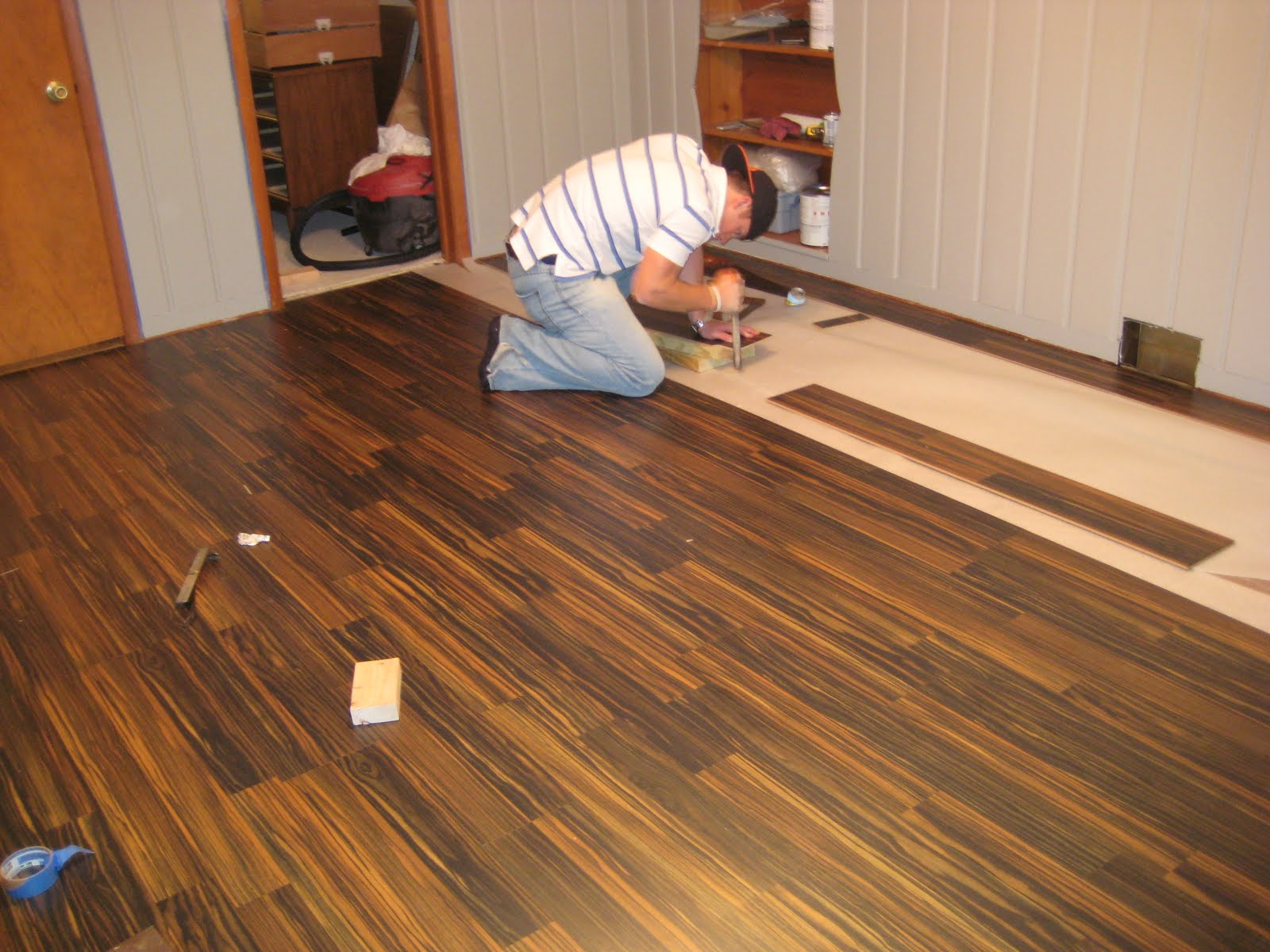 Red Pine Flooring Affordable And Attractive Flooring Option Homesfeed
