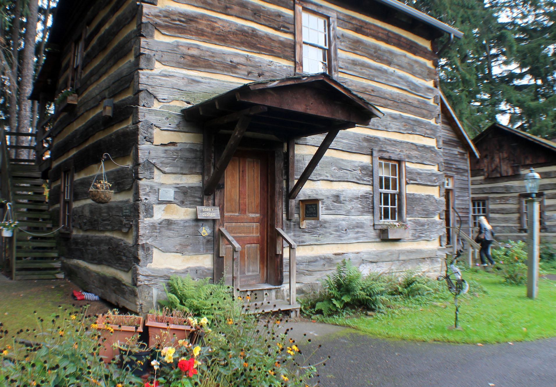 Best style log cabin style home for great escapism that for Cabin looking homes