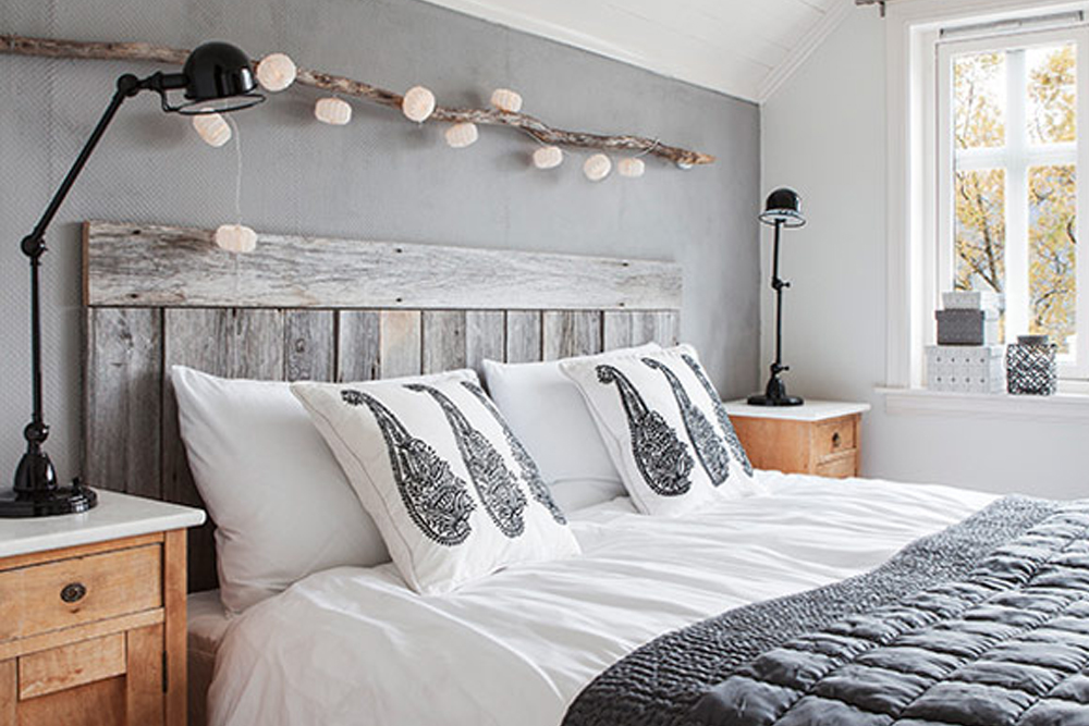 Scandinavian Bedroom Design With White Bedding And Black Sheet And Rustic  Frame And Wooden Table And. Unique Chinese Lantern Style Modern String  Lighting ...