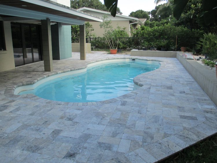 Swimming Pool Pavers : Falling in love with travertine pavers pool deck homesfeed