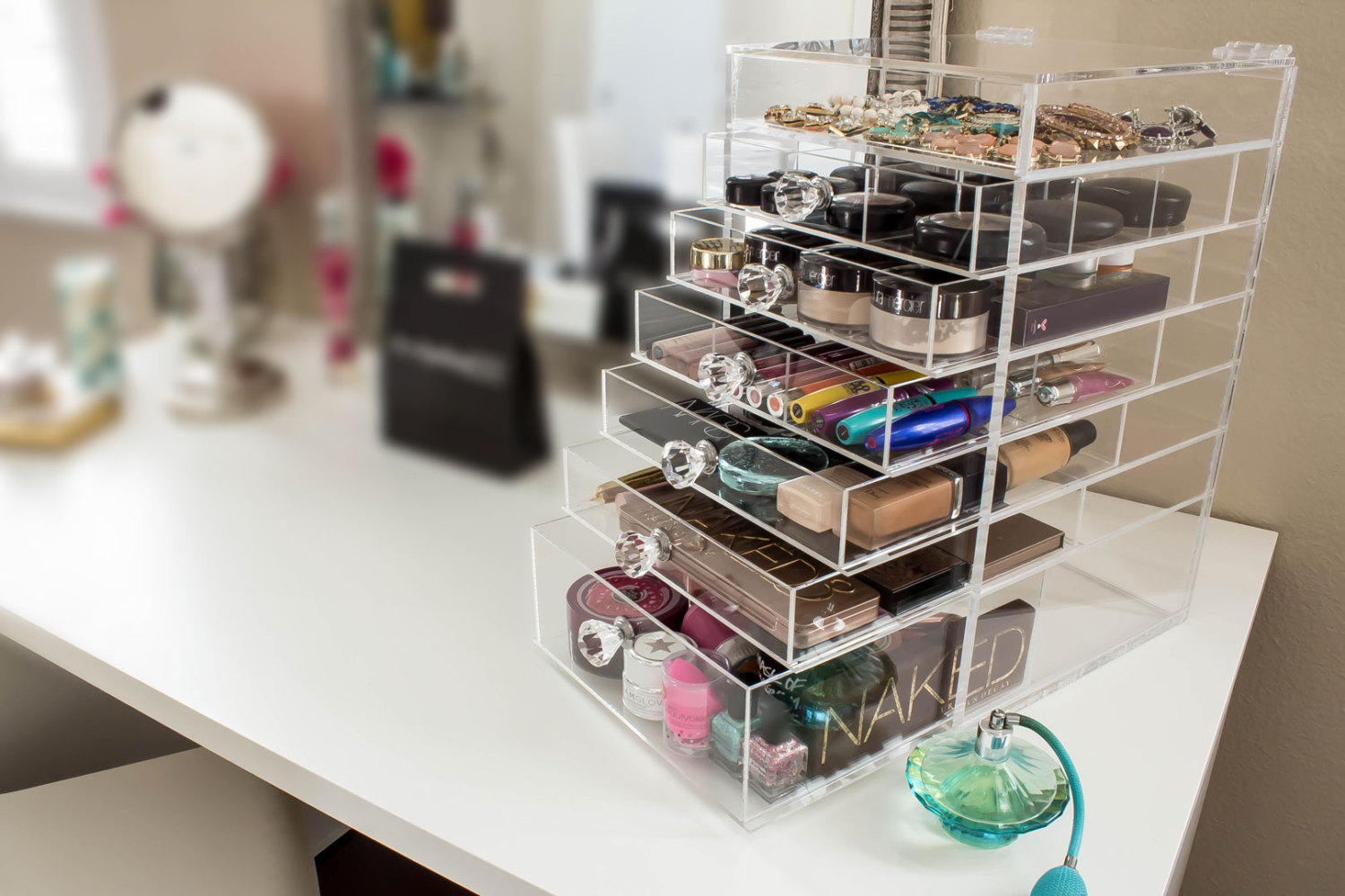 DIY Makeup Organizing Ideas for Simple but Stylish Dressing Room ...