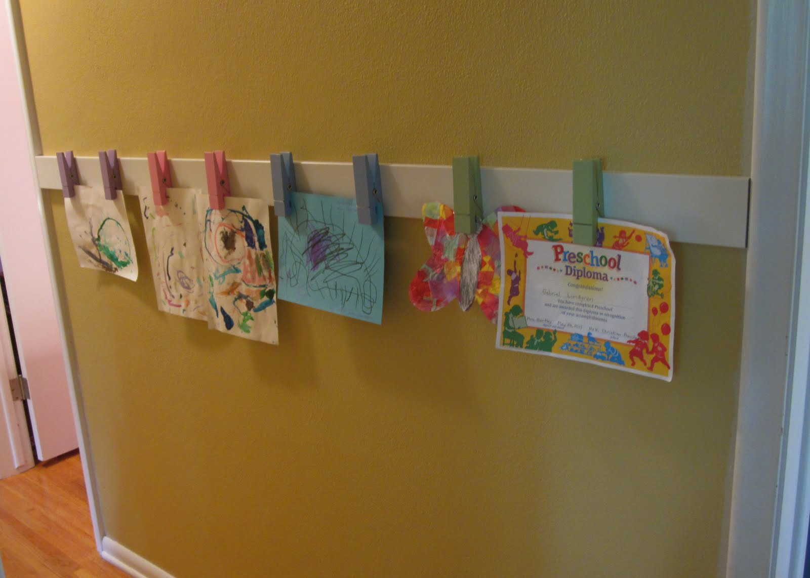How to display kids art without making it bothersome for Kids wall art