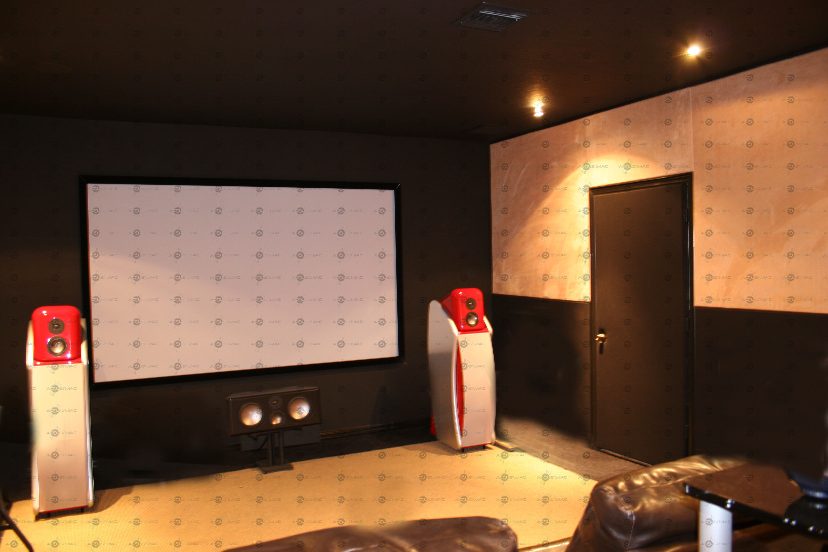 soundproofing an apartment theatre room by acoustic panels on the