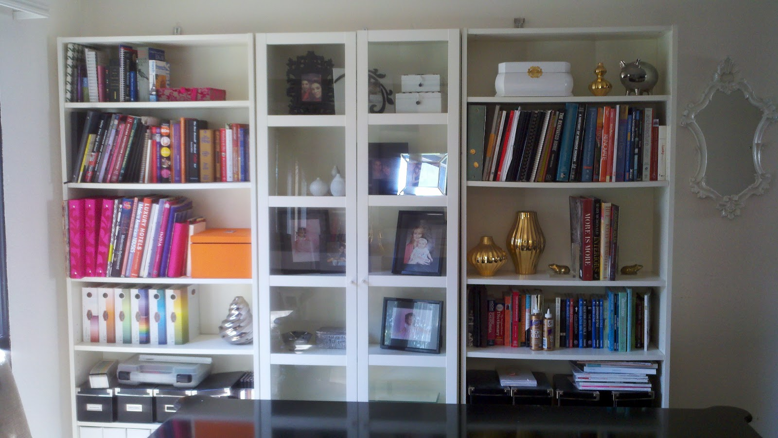 White bookcase with glass door for elgant interior with for Glass bookcase ikea