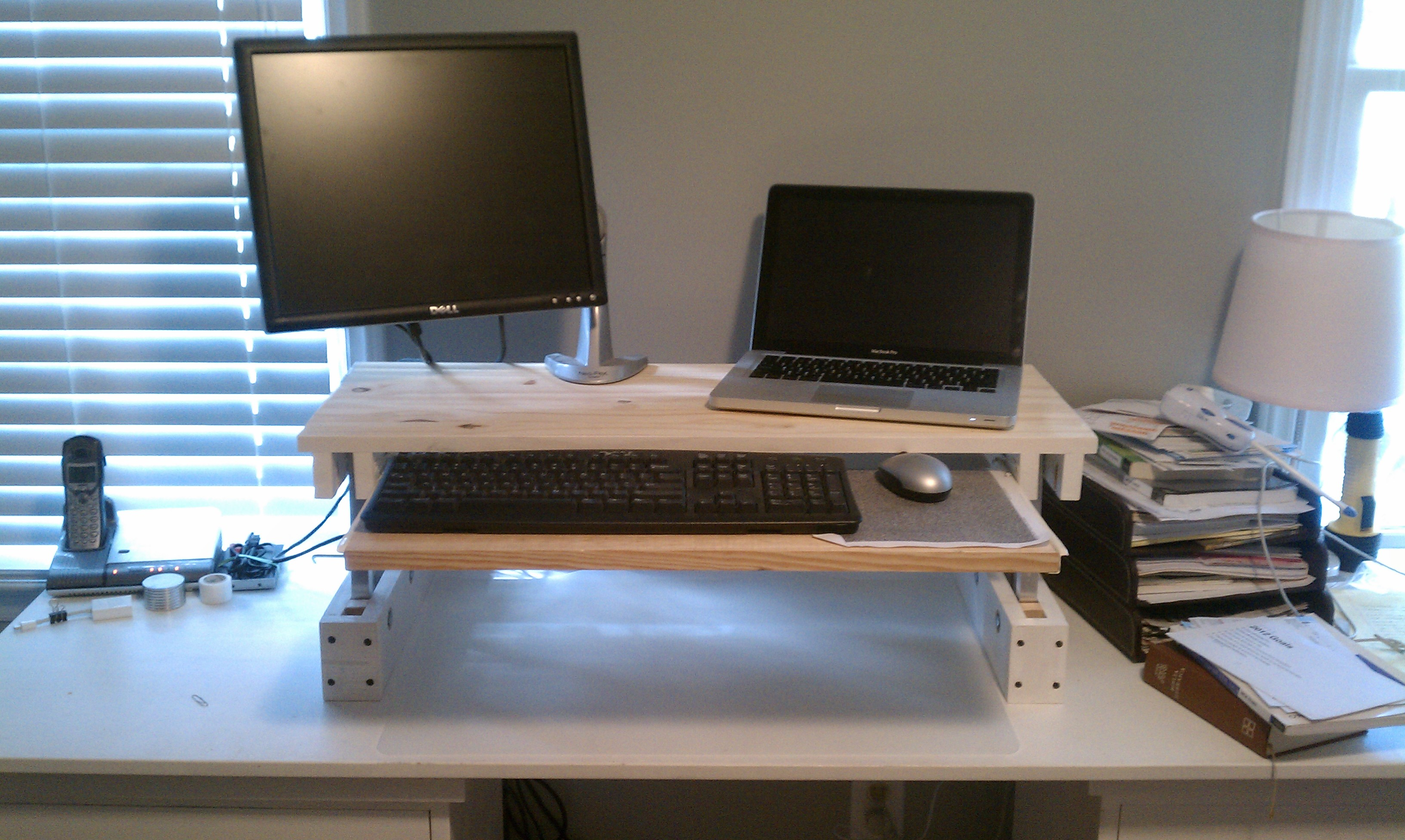 Make Your Own Standing Desk | HomesFeed | Page 750