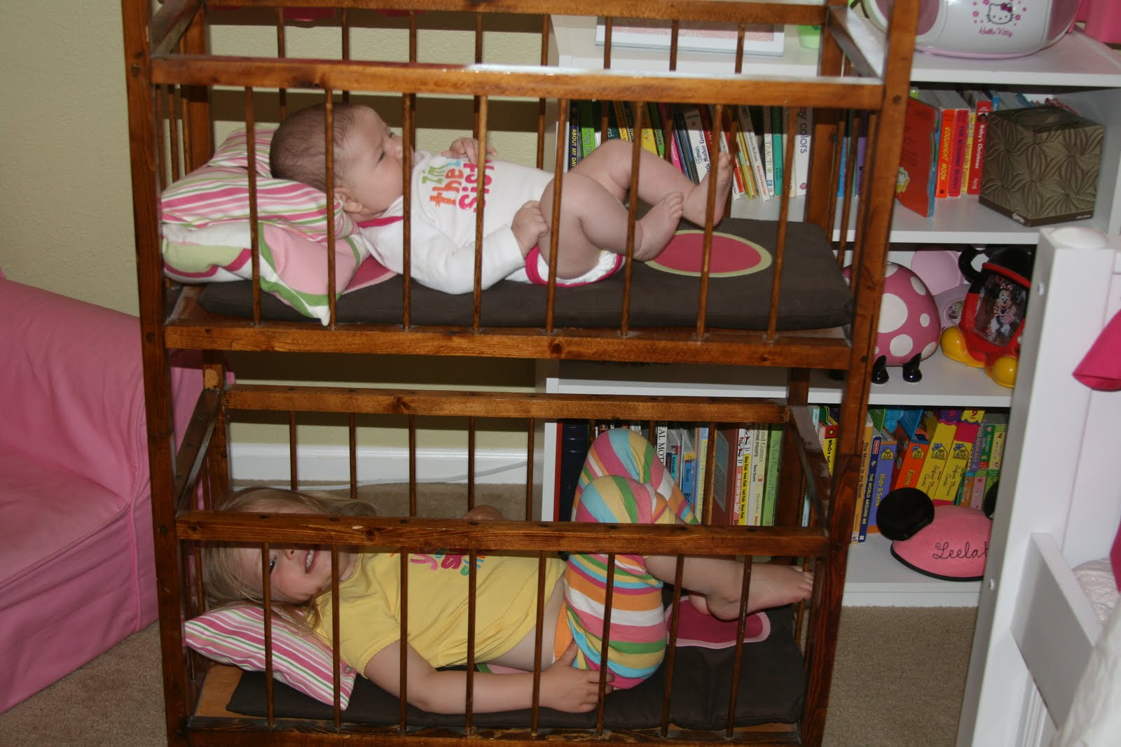Space Saver Crib Size Bunk Bed for Toddler: 2015 Trend | HomesFeed