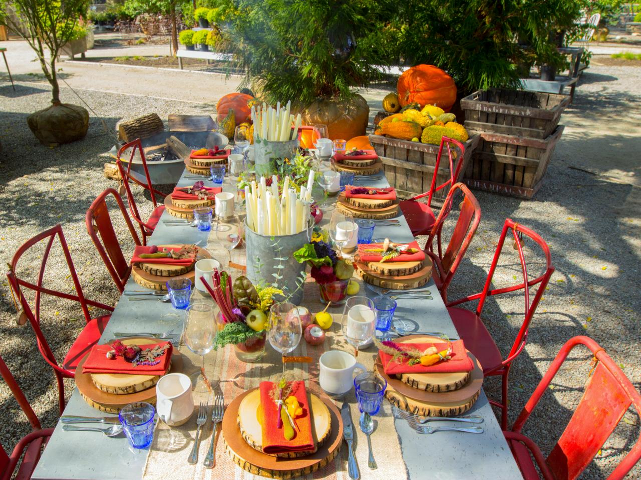 Thanksgiving decoration outdoor - Stunning Outdoor Thanksgiving Decoration Idea With Dining Set And Red Chairs And White Table With Centerpiece