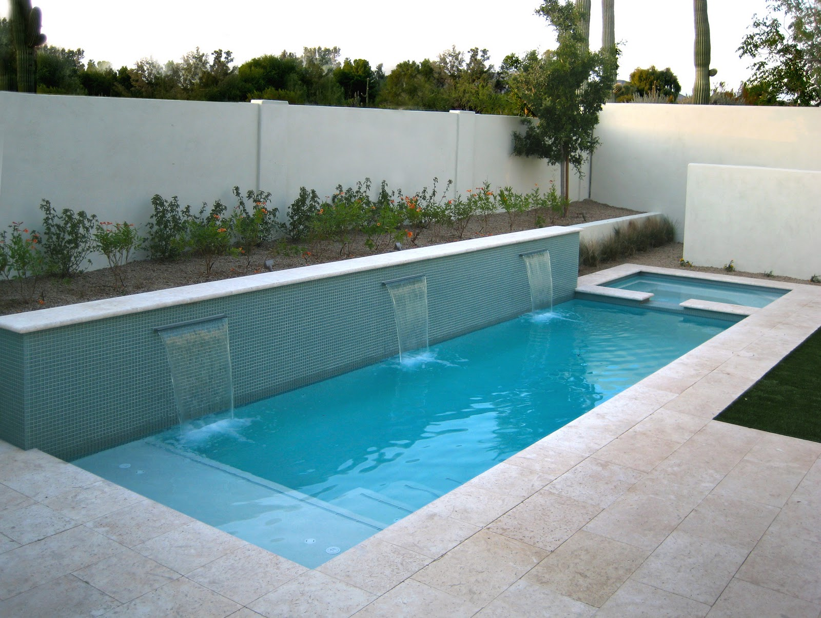 Swimming Pools for Small Yards | HomesFeed