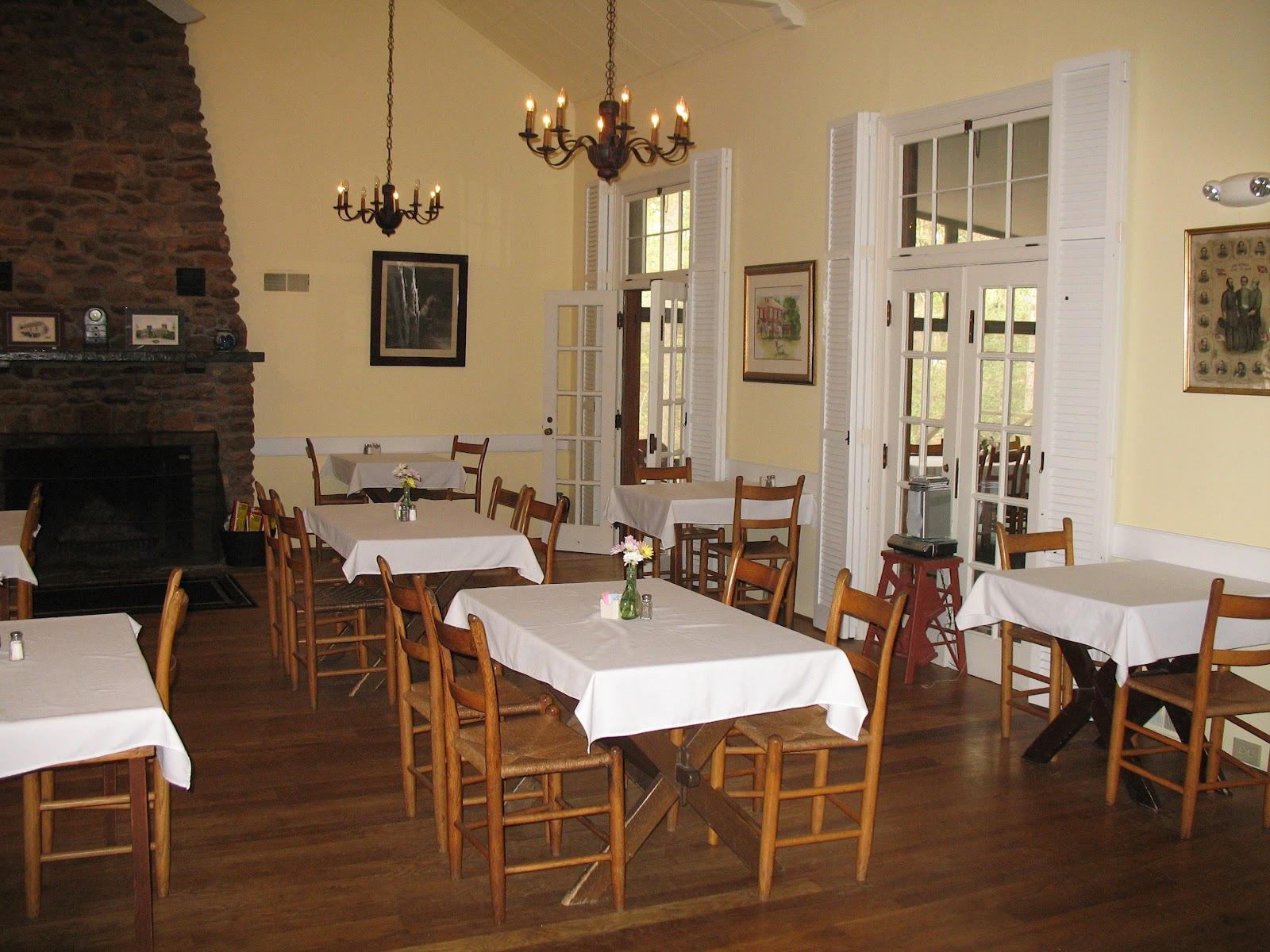 Tables Chairs Chandeliers Fireplace With Long Dining Room