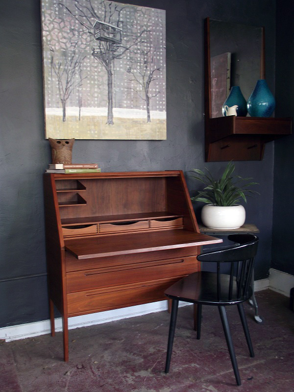 Mid Century Secretary Desk Fits Office With Elegant Hunter