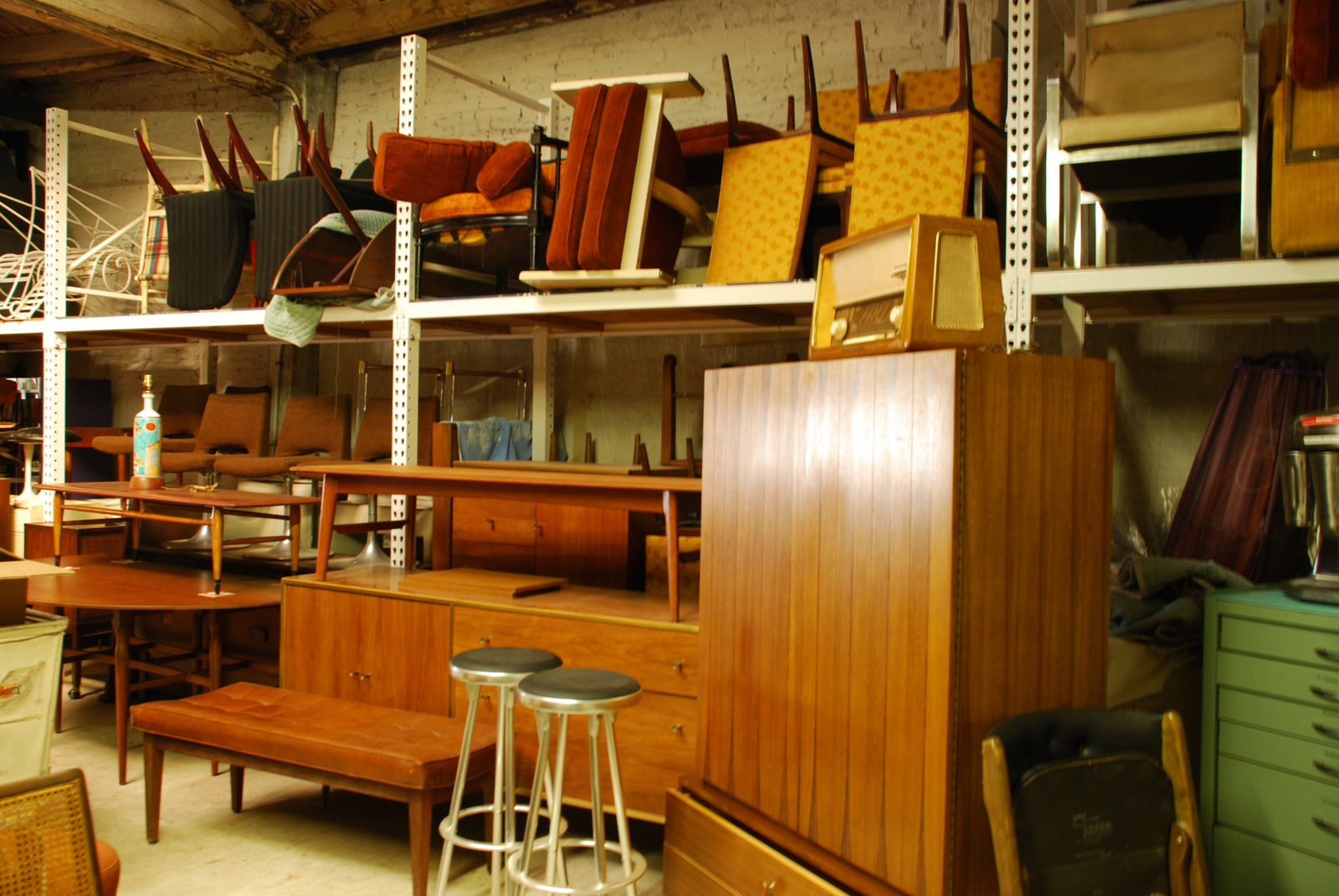 Ordinaire A Lot Of Used Furniture NYC