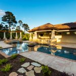 Awesome Big Pool WIth Artistique Cabana