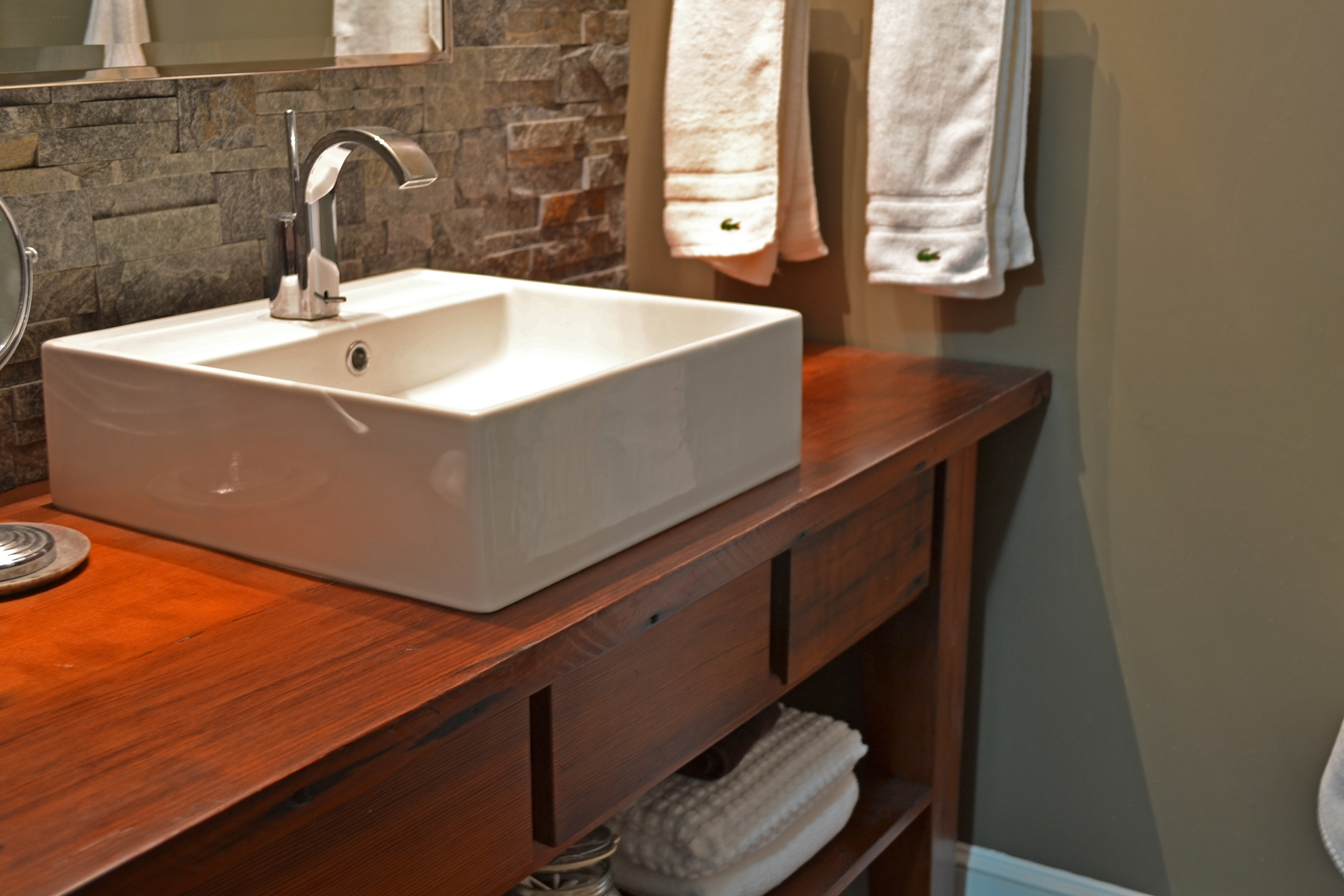 Pegasus vanity tops homesfeed for Bathroom sink designs