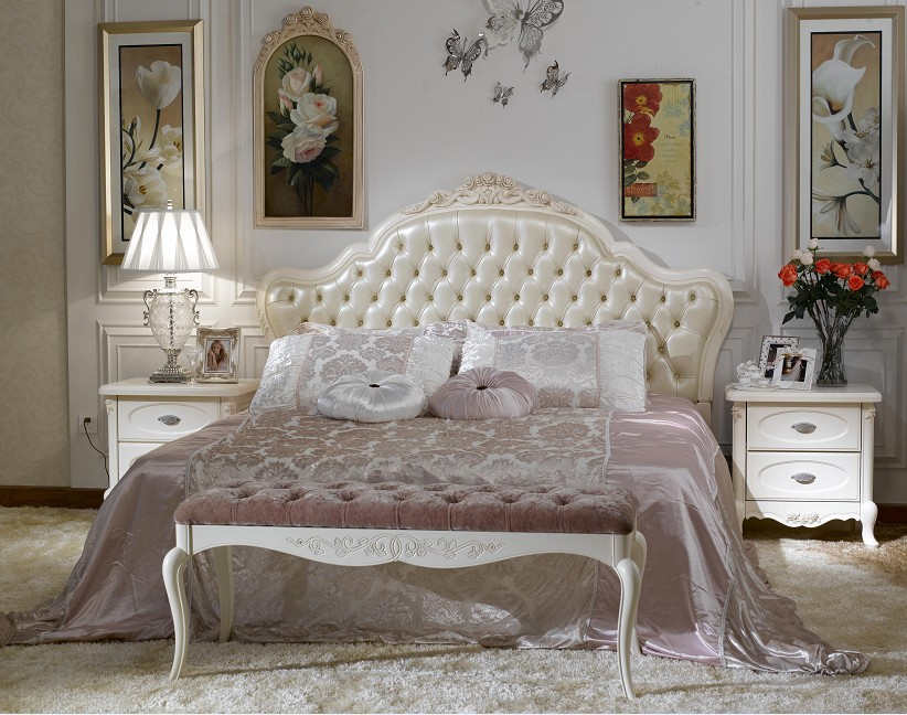 Bedroom Decor In French Style With Styled Furniture Sets