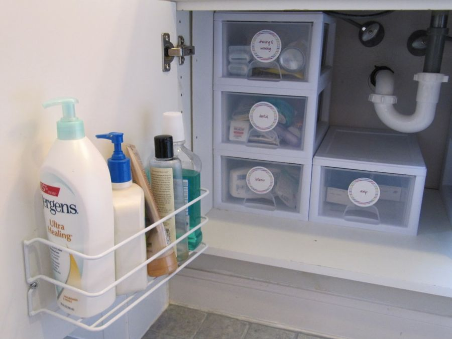 Brilliant bathroom cabinet organizers homesfeed for Bathroom organizers