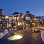 Big And Large Mountain Home Design In Winter