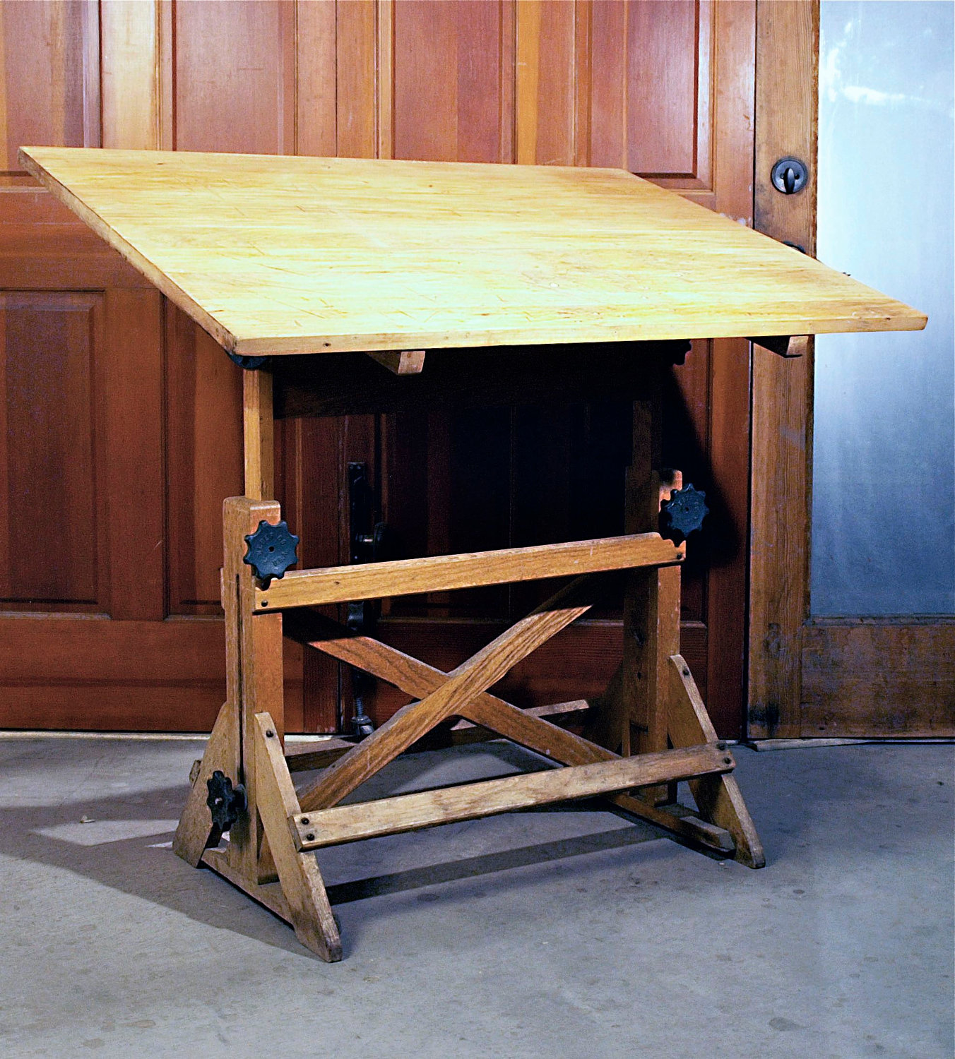 Big Wooden Drafting Table - Old Drafting Table HomesFeed